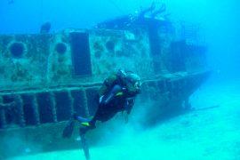 barco naufragado 2